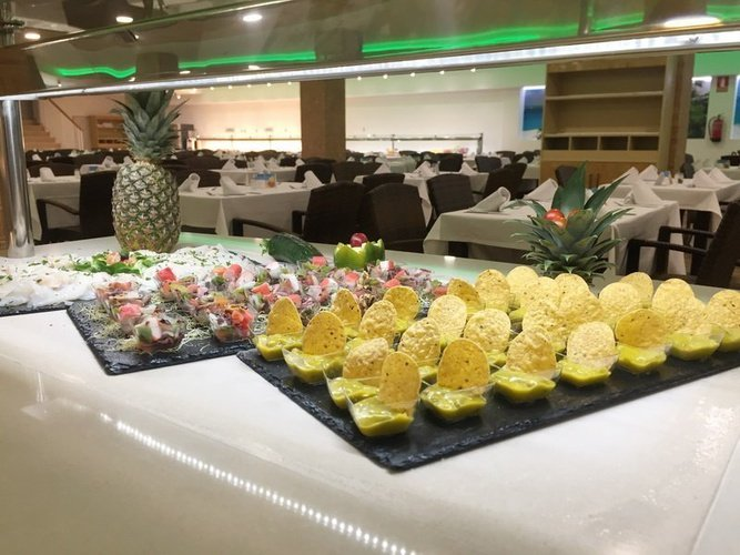 Buffet en el Restaurante 'Caribe' Apartotel Magic Tropical Splash Benidorm
