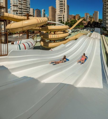 Multipistas en 'Pirate's Adventure' Apartotel Magic Tropical Splash Benidorm