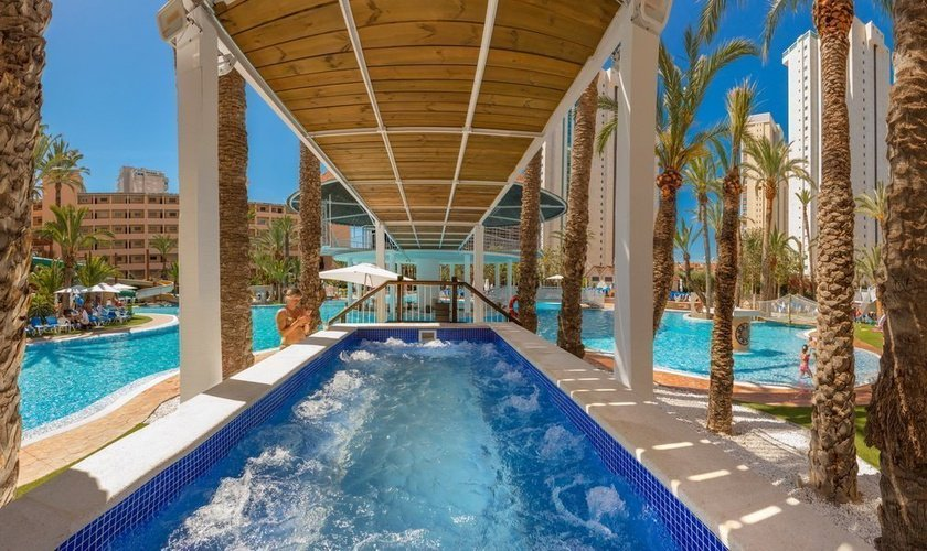 Jacuzzi Exterior Apartotel Magic Tropical Splash Benidorm