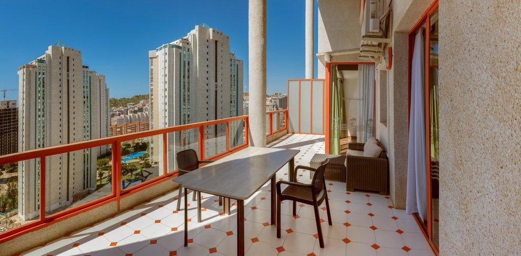 terraza Apartotel Magic Tropical Splash Benidorm