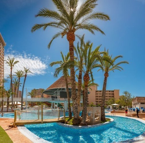 Piscina-Lago Apartotel Magic Tropical Splash Benidorm